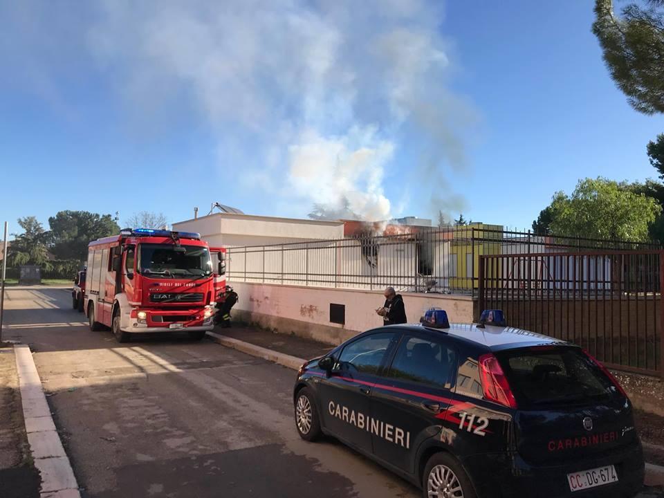 Souvent Incendio ai danni della scuola materna di Orta Nova, distrutti gli  AJ83